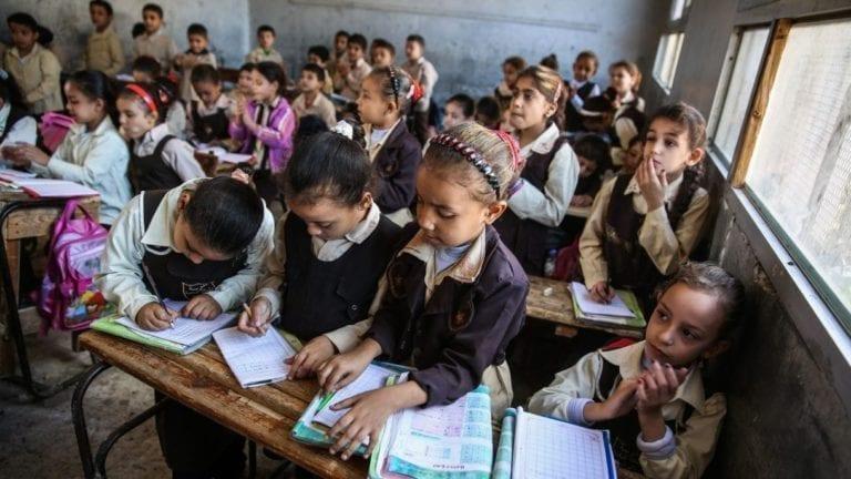 هل تهدد كثافة الفصول نظام التعليم الجديد؟