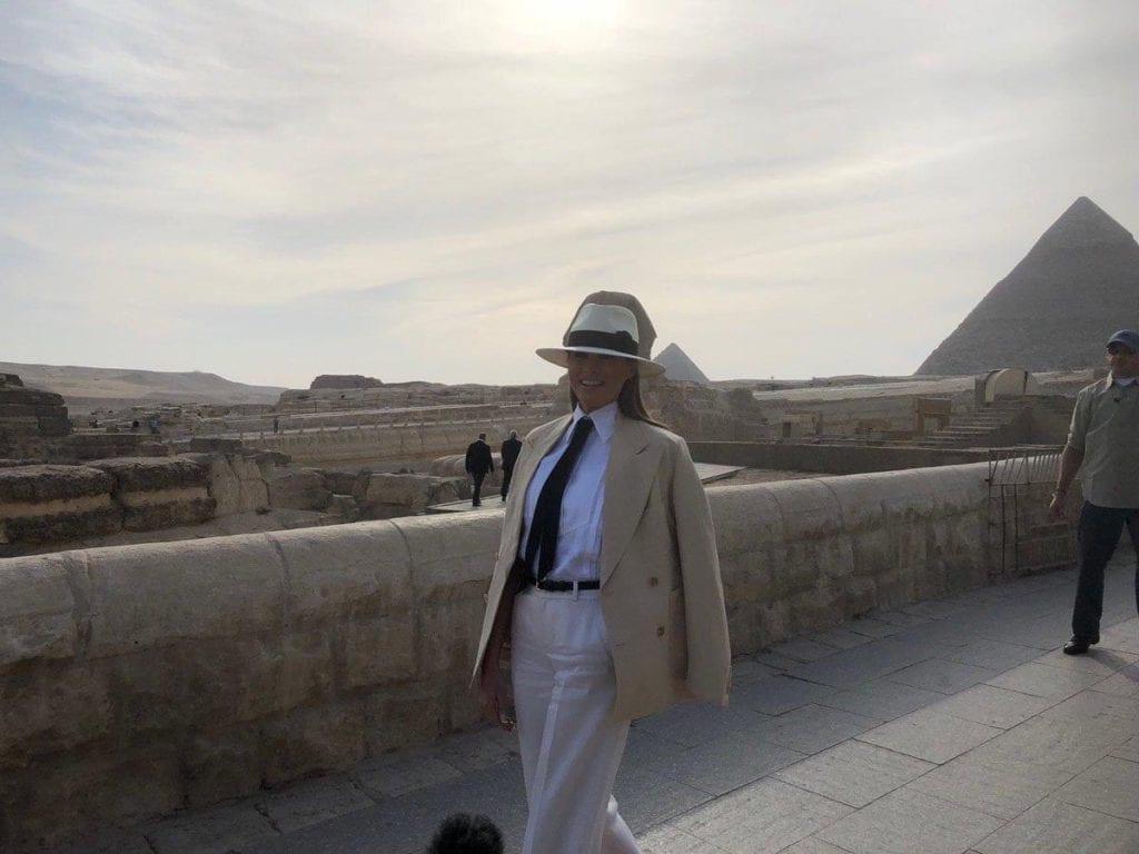 ميلانيا في الأهرامات