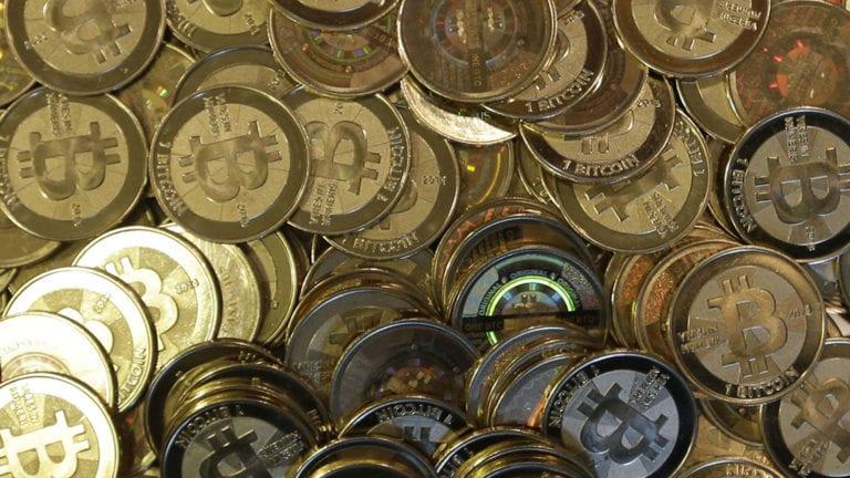 العملات الإلكترونية تخسر 20 مليار دولار.. طريقة تداولها في مصر