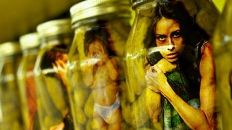 الاتجار بالبشر