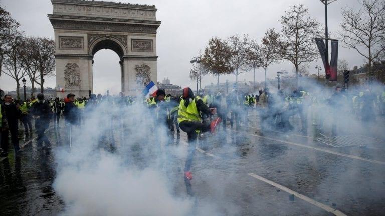 مظاهرات باريس السترات الصفراء