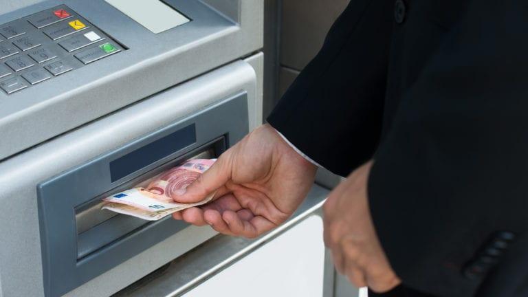 تحصيل المستحقات الحكومية والضريبية الكترونياً.. الموعد والتفاصيل