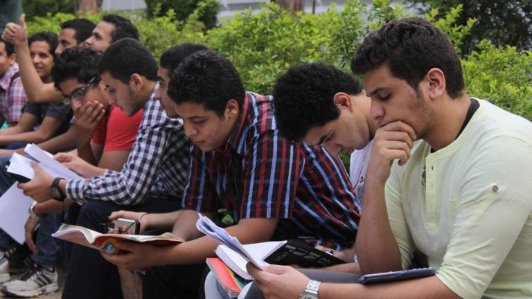 تسريب امتحانات الصف الأول الثانوي