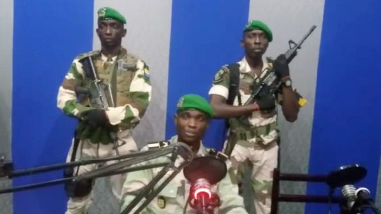 الانقلاب العسكري في الجابون
