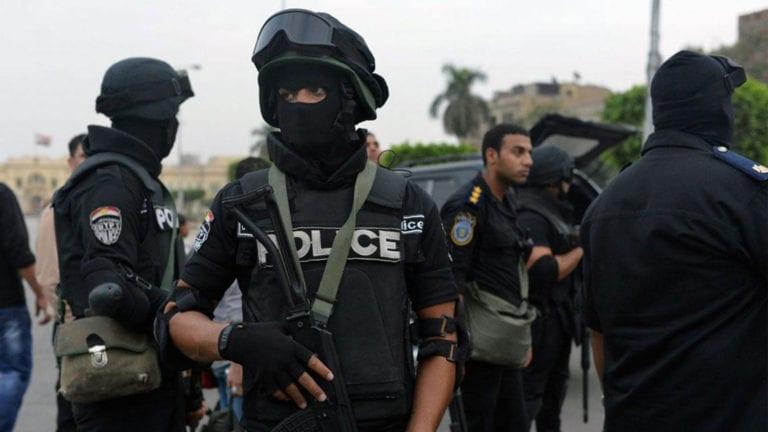 """الداخلية: القضاء على """"بؤرة إرهابية"""" ومقتل خمسة أشخاص بالعريش"""