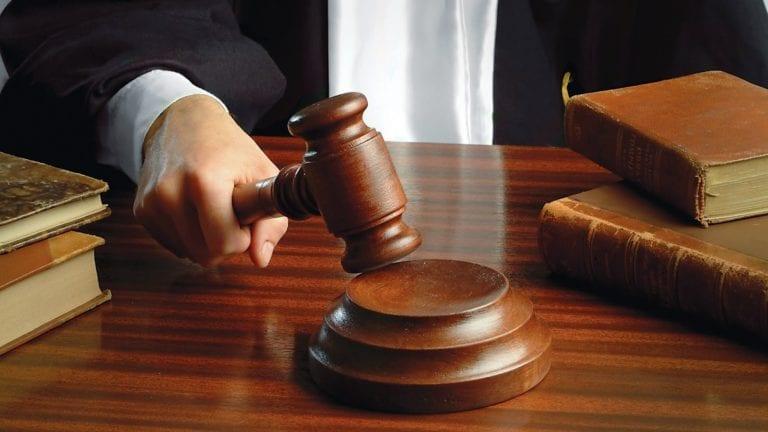 حبس الشهود وبراءة المتهمين