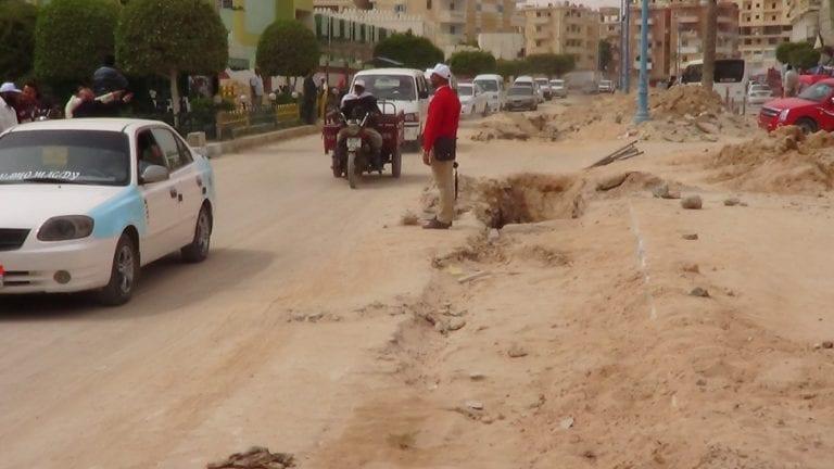 الهيئة الهندسية ترصف مرسى مطروح