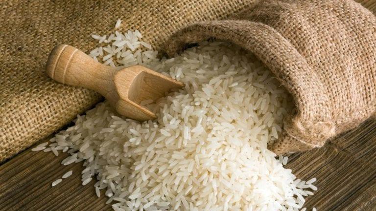 استيراد الأرز