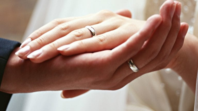 الإفتاء تطلق حملة لتيسير الزواج: يسروا.. وخلي المأذون يكتب