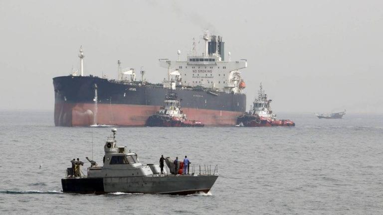 الإفراج عن الصيادين المصريين المحتجزين في إيران.. تفاصيل