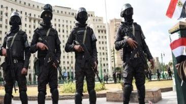 """انفجار الدرب الأحمر.. الداخلية تعلن مقتل """"الإرهابي"""" وأميني شرطة"""