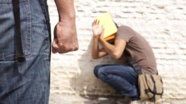 الاعتداء على شاب مصري