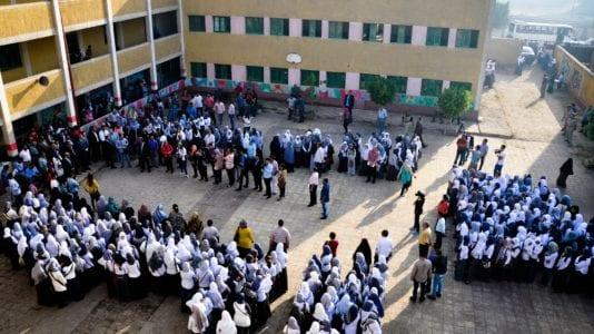 الحصاد: شراء 42 ألف طن زيت خام.. واختناق 48 طالبا ومعلما بسبب غاز الكلور