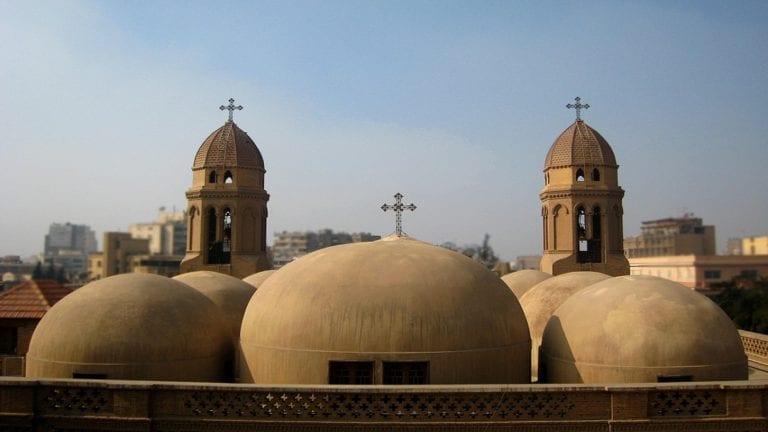مقتل كاهن كنيسة بشبرا على يد فرد أمن