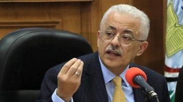 بلاغ يتهم وزير التعليم بسرقة فكرة امتحانات التابلت.. تفاصيل