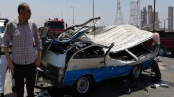 مصرع 14 شخصا وإصابة 8 آخرين في تصادم بالأوتوستراد (صور)