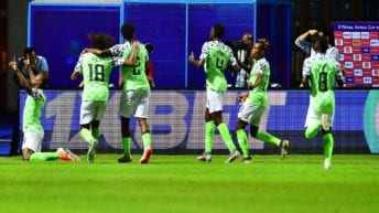 حقيقة إضراب لاعبي منتخب نيجيريا قبل مباراة غينيا