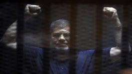 تفاصيل دفن محمد مرسي فجرا بعد الصلاة عليه في مسجد السجن
