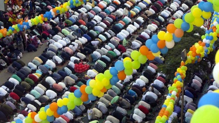 الأزهر يوضح سبب تحديد أيام العيد بثلاثة أو أربعة