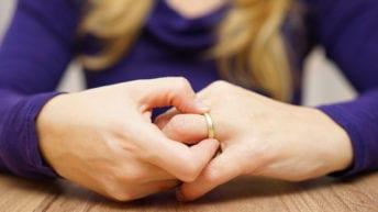 الإحصاء: ارتفاع الطلاق 6.7% وانخفاض الزواج 2.8%