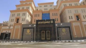 """عمرو أديب عن افتتاح مقر الجوازات الجديد: """"دي لا منّة ولا منحة""""(فيديو)"""
