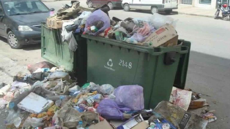 صناديق القمامة