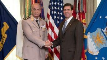 وزير الدفاع يعود إلى مصر بعد زيارة لأمريكا: مباحثات حول أمن المنطقة