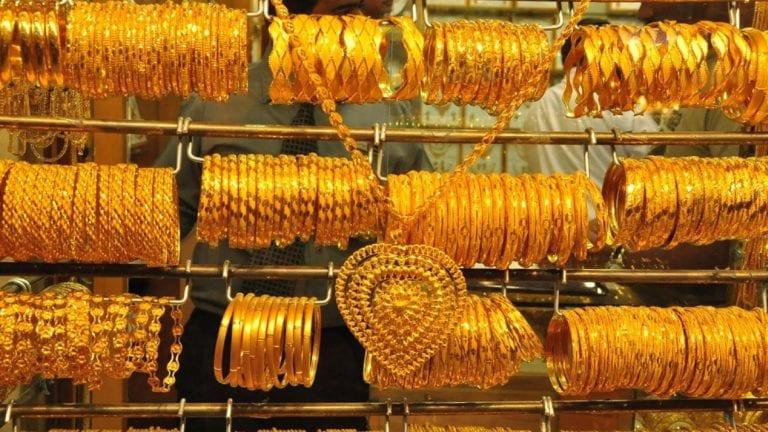 الذهب يرتفع ستة جنيهات في ثالث أيام العيد.. واستقرار أسعار العملات