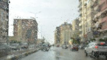 سقوط أمطار