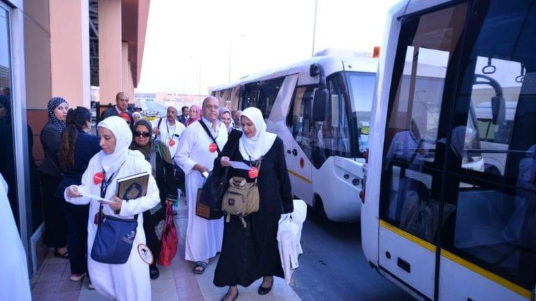 """مطار القاهرة يستقبل أولى رحلات عودة الحجاج """"المتعجلين"""""""