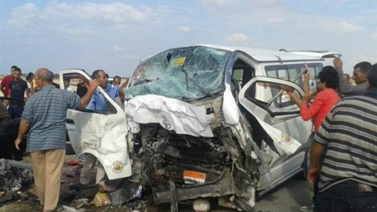مصرع 11 شخصا وإصابة 4 في حادثة تصادم على طريق الصف