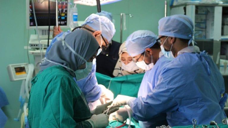 حقيقة تحصيل رسوم من عمليات مرضى قوائم الانتظار