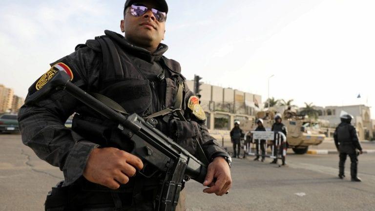 """الداخلية: مقتل 11 """"إرهابيا"""" في تبادل لإطلاق النار بالعريش"""