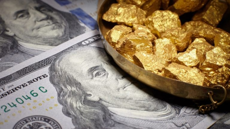 انخفاض أسعار الذهب 4 جنيهات واستمرار تذبذب العملات
