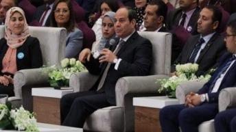 """السيسي يوجه رسائل إلى الشعب المصري: """"بقى تعملوا في كدا"""""""