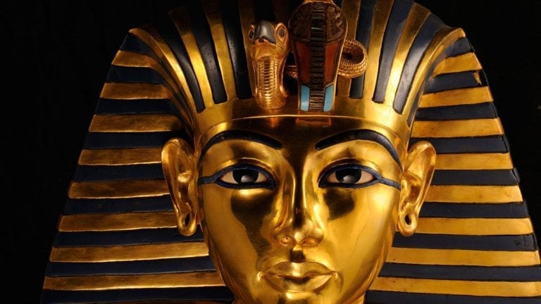 أسرار مقبرة توت عنخ آمون قبل افتتاح المتحف الكبير: صندوق غامض