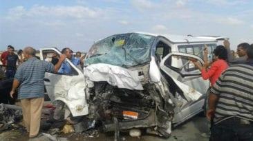 مصرع 8 وإصابة 4 في سقوط ميكروباص بصفط اللبن (صور)