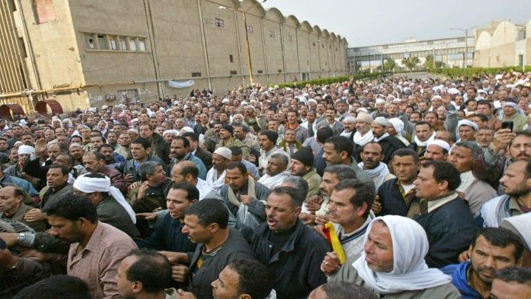 القوى العاملة: فض اعتصام 930 عاملا بشركة للأغذية