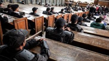 """""""جنايات دمنهور"""" تقرر إعدام 6 أشخاص بتهمة تصنيع متفجرات"""