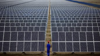 افتتاح أكبر محطة طاقة شمسية بأسوان نهاية العام.. تفاصيل