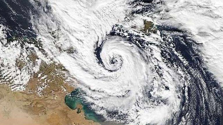 حقيقة إعصار نادر يضرب مصر