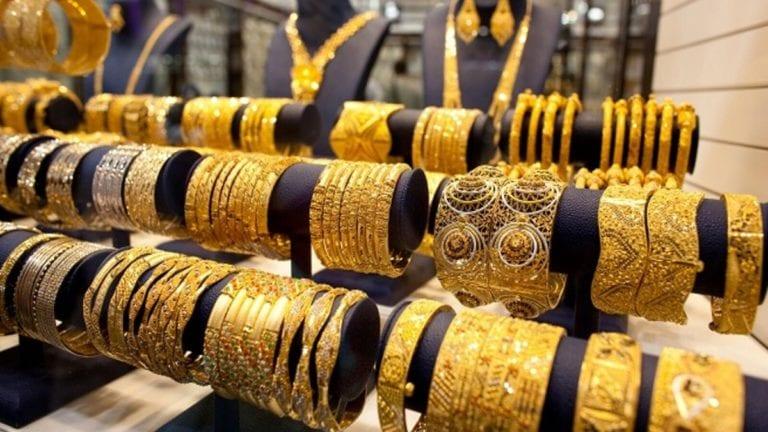 تراجع أسعار الذهب 5 جنيهات واستمرار تذبذب العملات