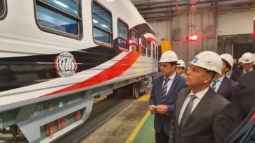 ضبط العلم المقلوب على القطارات الجديدة