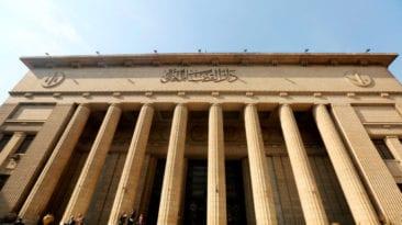 """أحكام بالسجن 10 سنوات والعزل في """"فساد القمح"""" ورشوة التموين"""