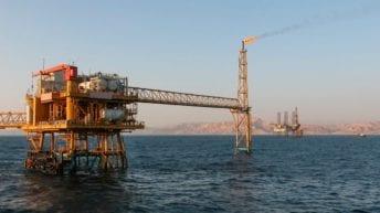 """اتفاقية مع روسيا لـ""""التنقيب عن البترول"""" في رأس العش"""