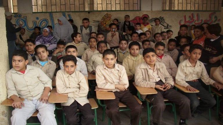إصابة طالبين بحمى التيفود في القاهرة والمنوفية: تعقيم المدرستين