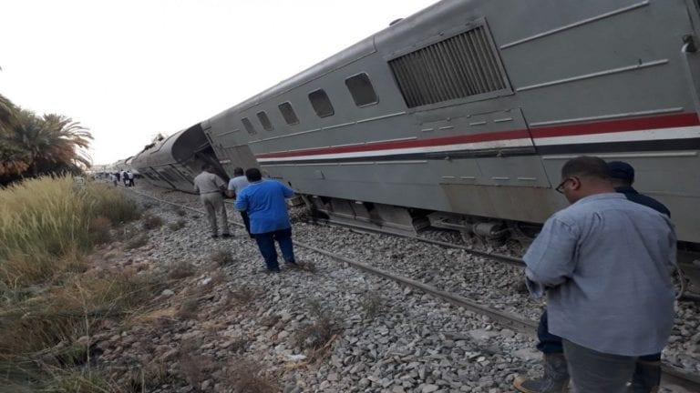 السكة الحديد توضح ملابسات انقلاب جرار استكشافي: بسبب السيول