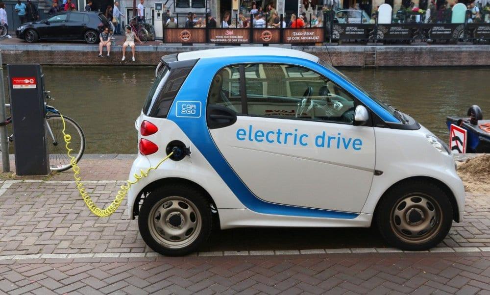 تصنيع السيارات الكهربائية في مصر.. ما جدوى التوطين قبل التقنين؟