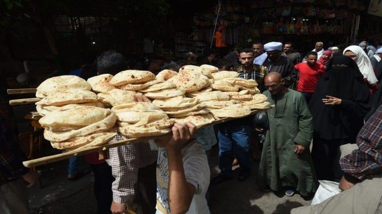 التموين تقرر صرف حصص الخبز بكشف ورقي نتيجة أعطال السيستم