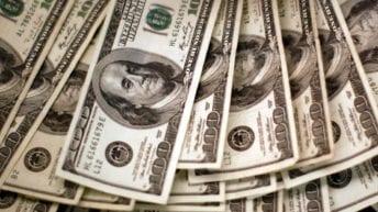 ارتفاع أسعار العملات واستقرار الذهب